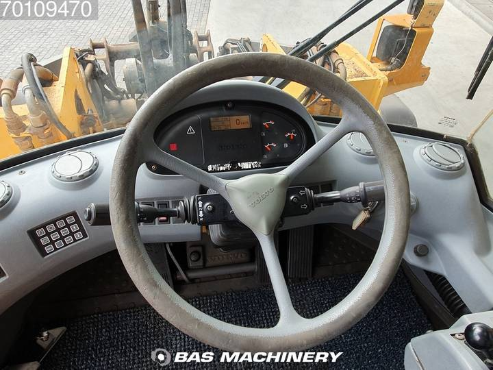 Volvo L120E From first owner - nice machine - 2003 - image 15