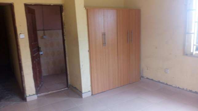 Twin flat (3 Bedroom flat each) with 2 Room and parlor self con Ilorin West - image 7