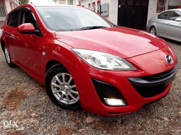 Mazda Axela Newshape, Red, Year 2010, 1500cc auto Hurlingham - image 2
