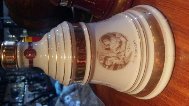 Wade Bells Commemorative Porcelain decanters sealed and full Brackenfell - image 5