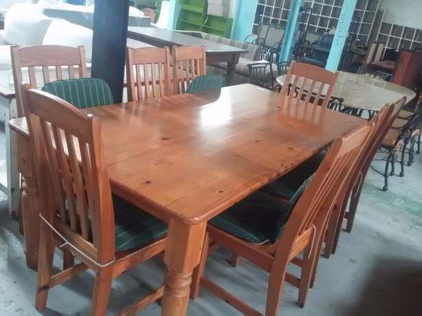 Pine dining room table + Chairs Sandton - image 1