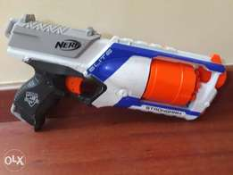 There are nerf strongarm 6 darts that are rarely used and fully workin