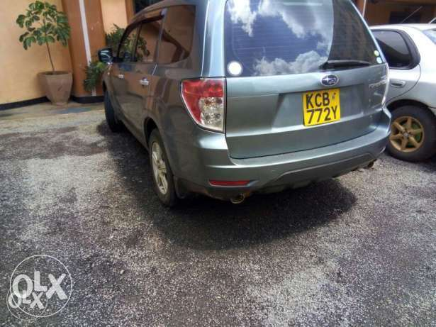 Subaru Forester Non Turbo 2000cc lady owned clean just buy and drive Nairobi CBD - image 2