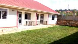 Two bedroom house for rent in kisasi at 500k