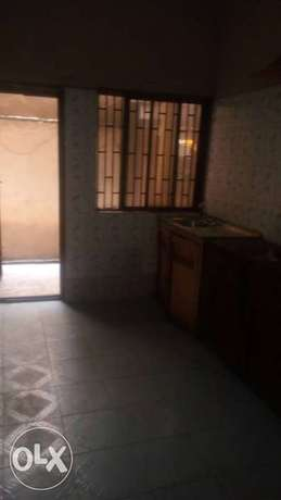 Descent 2bedroom flat spacious with tiles at Ijesha Surulere Surulere - image 2