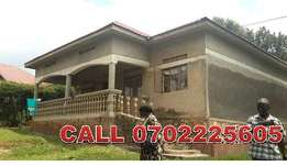 Burglar 3 bedroom house for sale in Mukono-City at 70m