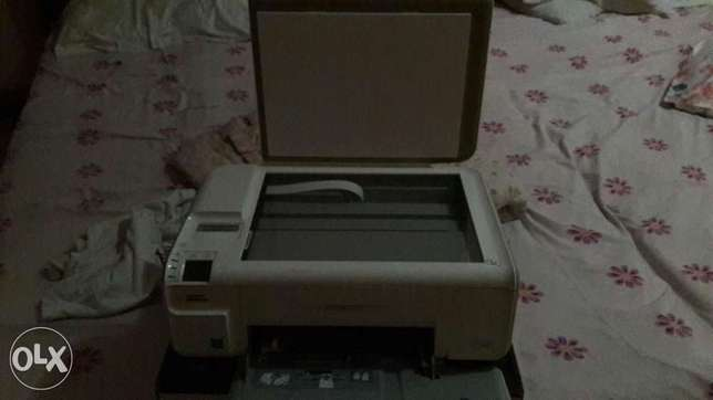 HP printer for sale which has scanner printer colour and black Ilala - image 1