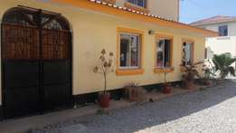 RAYO PROPERTIES 3bedroom to let massionate p
