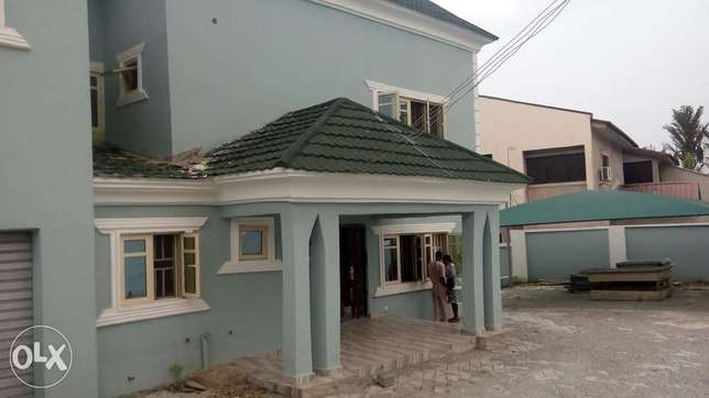4bedroom semi detached duplex with 3rooms bq in Gwarinpa for sale Gwarinpa Estate - image 3