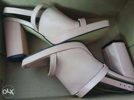 Pink Heels (new) size 37