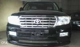 Toyota Land cruiser V8 ZX 4.7 cc petrol 7 seater loaded with sunroof