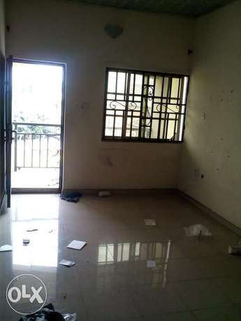 Standard 1 Bedroom Flat To Let At Rumuodara Portharcourt. Port-Harcourt - image 2