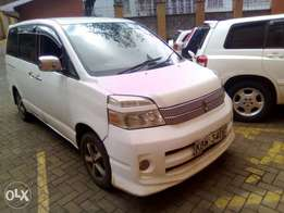 Toyota voxy,seven seaters, yom 2006