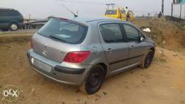 A Lagos cleared Peugeot 307, ac, manual gear, cd.