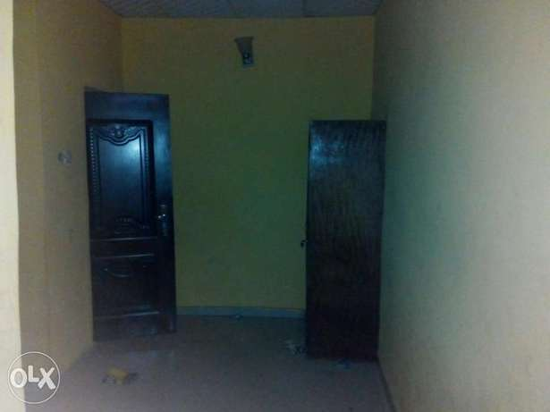 To Let: Clean 3 Bedroom Flat at IREWOLEDE area Ilorin West - image 8