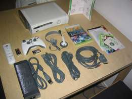 Xbox 360 fat 250gb exclusive console still as new includes all cables