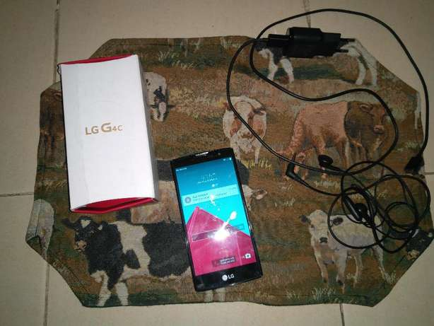 LG G4c 8GB with all accesories as good as new KSH 15,000 Greenspan - image 2