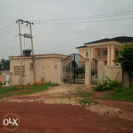 Newly built 10bedroom en-suite duplex at Independence Layout in Enugu. Enugu North - image 1