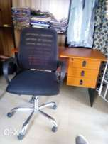 New 4ft office table with mesh office chair