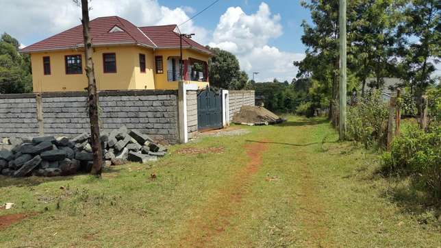 One acre in Kikuyu Thogoto along Green garden road at 29m negotiable. Kabete - image 4