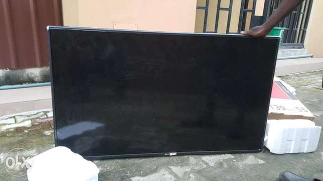 Tv for sale Lagos - image 5