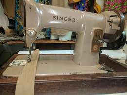 Singer model 185K manual sewing machine in good working condition Cont