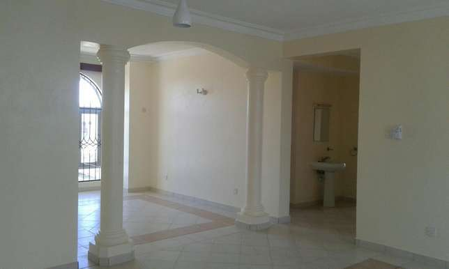 Executive 3bedrm apartmnt with pool,cctv in nyali Nyali - image 3