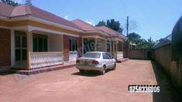2 bedroom house for rent in kisaasi at 500k
