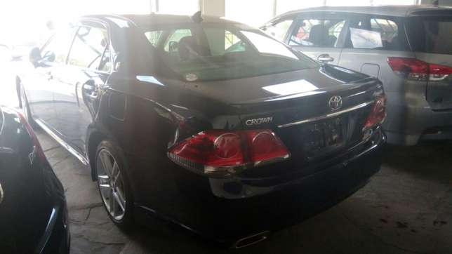 Toyota crown athlete Mombasa Island - image 7