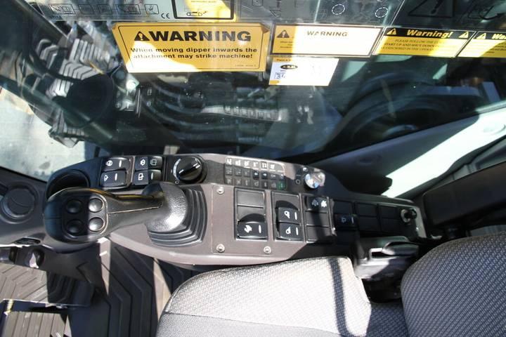Volvo EC 220DL - 2014 - image 23