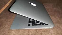 Apple Macbook Air 11 inches early 2015 core i5 laptop 1.6ghz, 128gb ss