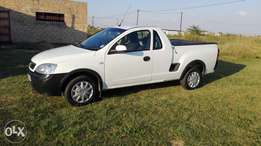 Well maintained bakkie