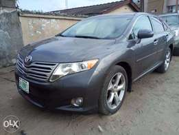 super clean venza 2010 model thumb start