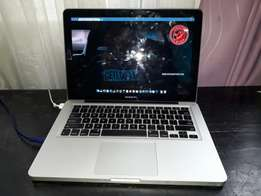 Macbook pro 2011 laptop