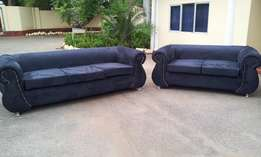 Sofa/Sofas/Sofa Sets: Le Couch De Chesterfield 800,000/- 5 seaters