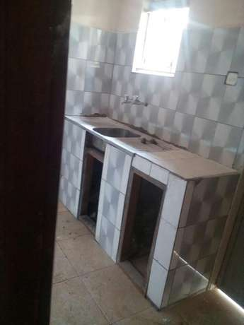 Two bedrooms apartment at mutungo binah self contained whole fence Kampala - image 4