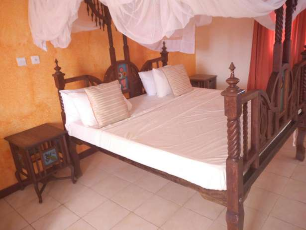 Classic furnished 4br villa all ensuite in nyali short distance to bch Nyali - image 3