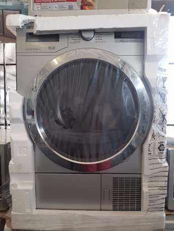 8KG Heatpump Dryer DPY 8504 CGM retails for R8800 and we selling it fo Randburg - image 1