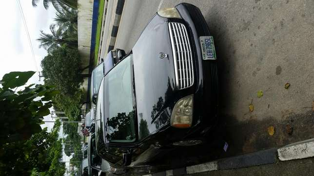 Very clean 2004 cadillac deville Calabar - image 4