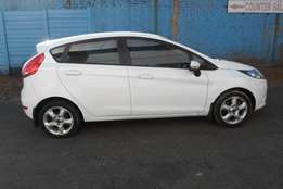 2010 model,ford fiesta 1.6 hatchback,white,for sale