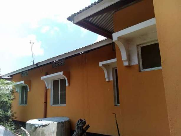 All ensuit One bedroom House to let Bamburi - image 4