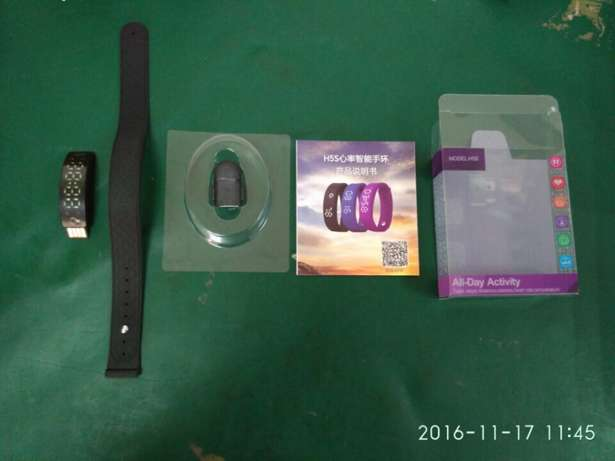 Fitness tracker and heart rate monitor Clubview - image 4