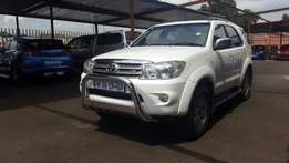Toyota fortuner 4x4 automatic 2010 model
