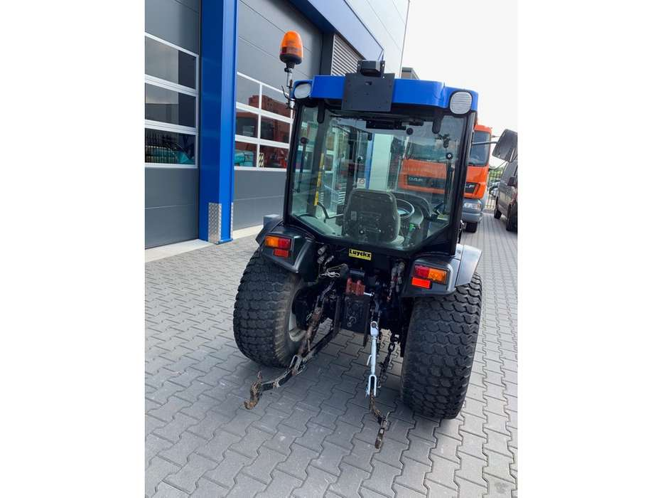 New Holland TCE 40 Tractor - 2006 - image 4