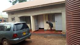 Self-contained double room located in Kasangati town