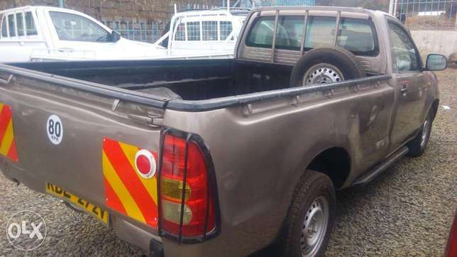 Toyota hilux for quick sale Allsops - image 3