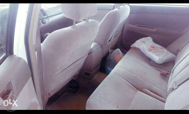 Neatly used V4 Toyota Camry for sale, nothing to fix Lagos - image 3