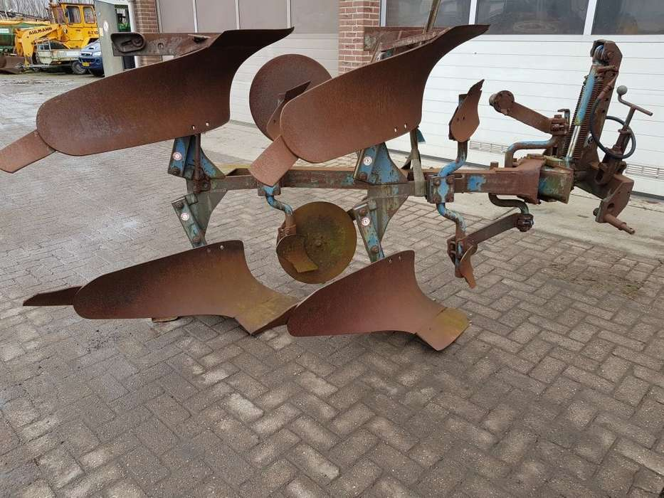 2 Schaar Ploeg Reversible Plough