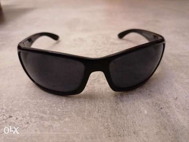 Perry Ellis sunglasses 450,000