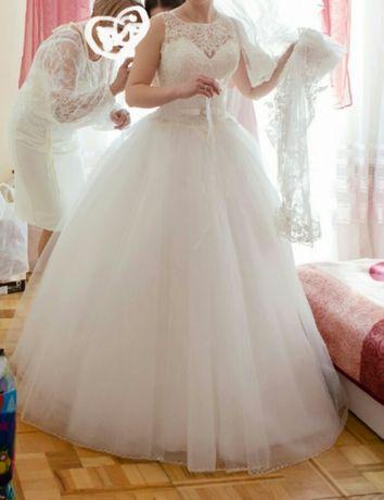 Свадебное плаття весільна сукня  3 500 грн. - Весільні сукні Луцьк ... aae80e52a1a8b